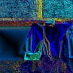 Пиджак на стуле – 1