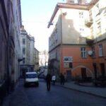 Закуток на нешумной улице